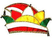 Narrenkappe des Sitzungspräsidenten in den Farben weiß, rot, grün und gelb